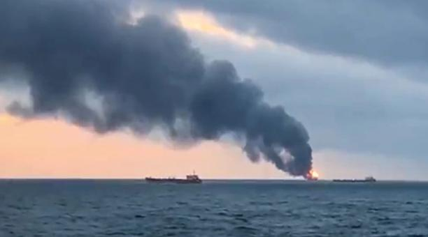 20 People Allegedly Killed in the Fire of Ships in Crimea