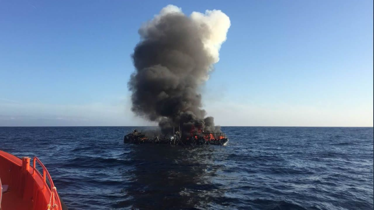 A Fire Surprised a Boat off Laxe While 4 of its 5 Crew Members Slept