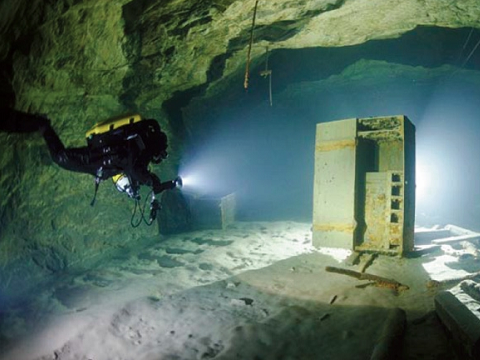 A submarine robot will explore flooded mines