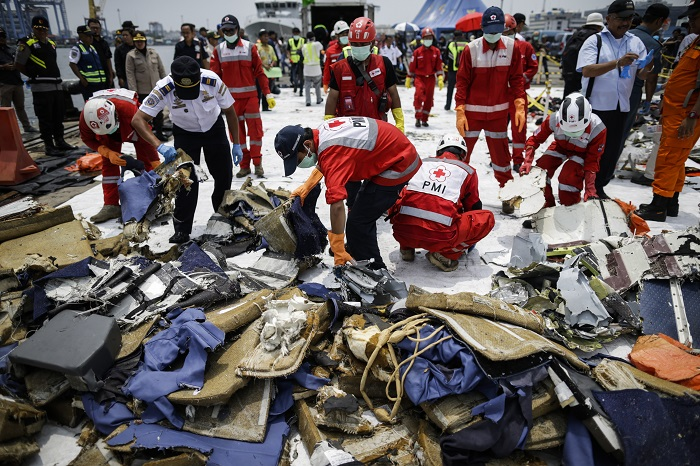 After 2 Months, They Find the Black Box of the Lion Air Airplane That Crashed In The Deep Sea