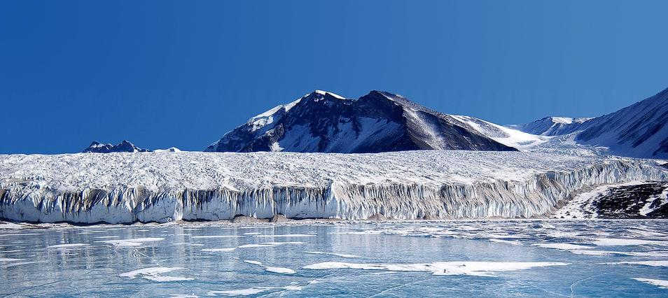 Antartica would have been discovered by Spaniards