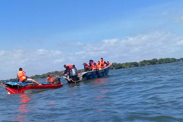 Army Rescues 15 Castaways in Lake Cocibolca, Nicaragua