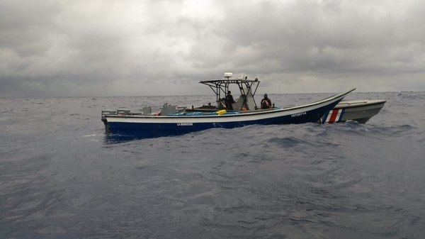 Coastguard Seizes Boat with 600 kilos of Cocaine in Waters of the Caribbean Sea
