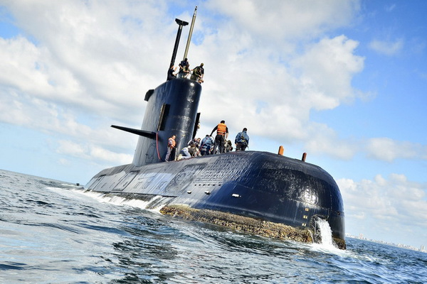 Argentine navy not giving hope of submarine survivors