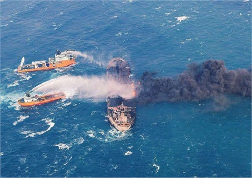 New-Explosion-at-Burning-Iran-Oil-Tanker