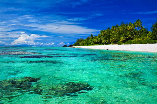 One of the crystal clear beaches of the Cook Islands