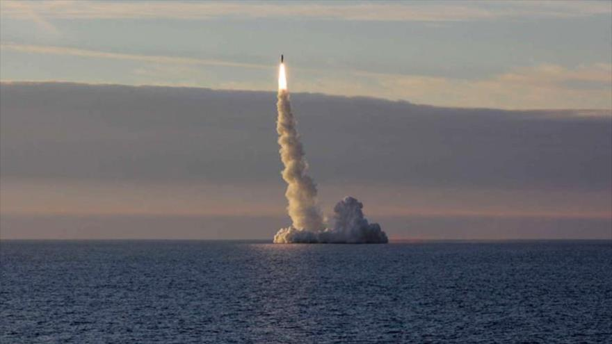 Russia Successfully Launches 4 Nuclear Missiles from a Submarine