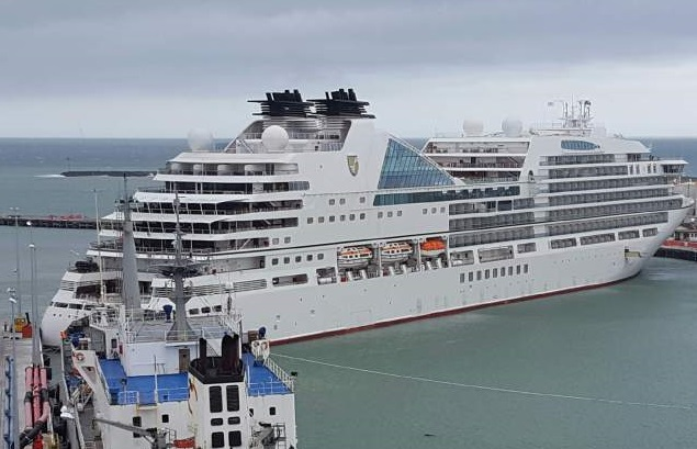 Cruise Ship Seabourn Encore Collided With Berthed Cargo Ship In - Cargo cruise ship