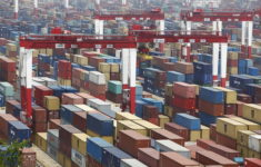 Shanghai remains world's largest container port