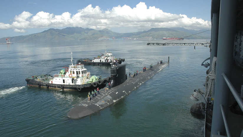 Submarine Commander is Removed For Hiring Prostitutes in the Philippines