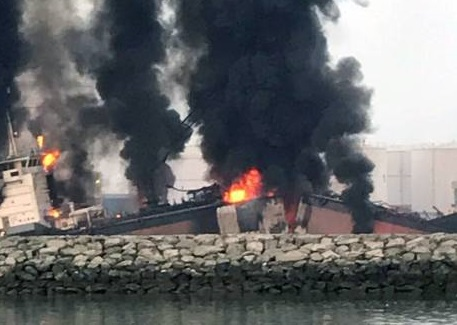 One killed as blaze hits ship at Sharjah port