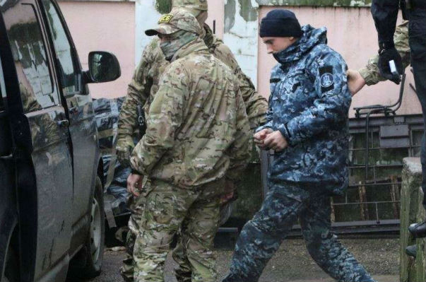 The court in the Crimea will elect a measure of restraint to nine Ukrainian sailors