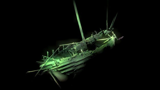 They Find A 500-Year-Old Ship In Perfect Condition At The Bottom Of