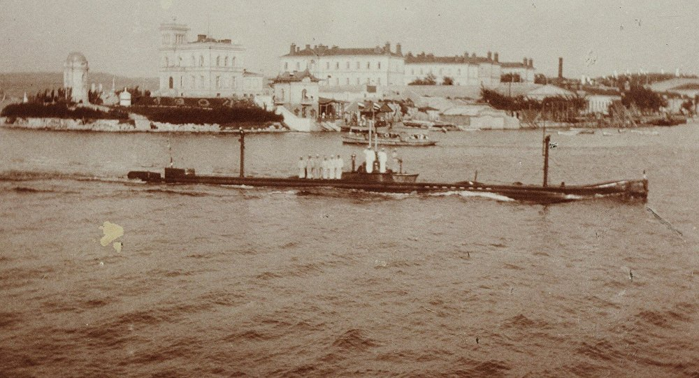They Find a Submarine Sunk In A Tragic Accident in 1909 Near Sevastopol