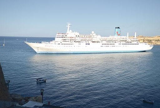 Tuis Cruise Ship Thomson Celebration Lost Power At Grand Harbor - Thomson celebrity cruise ship