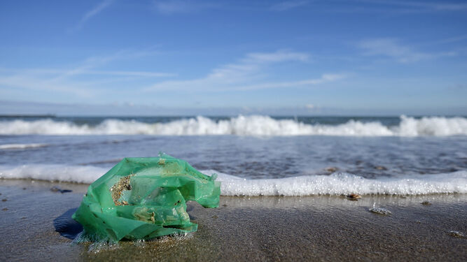 UCA Researchers Present The Design Of The First Space Sensor To Detect Marine Litter