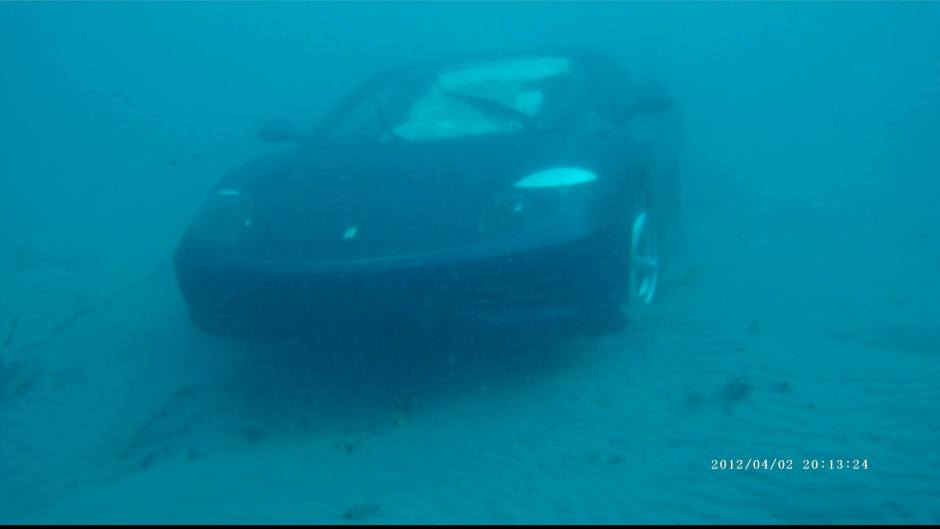 Why Did This Man Sink His Ferrari 360 in the Ocean?