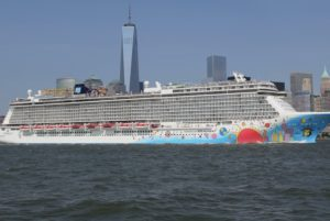 cruise ship Norwegian Breakaway