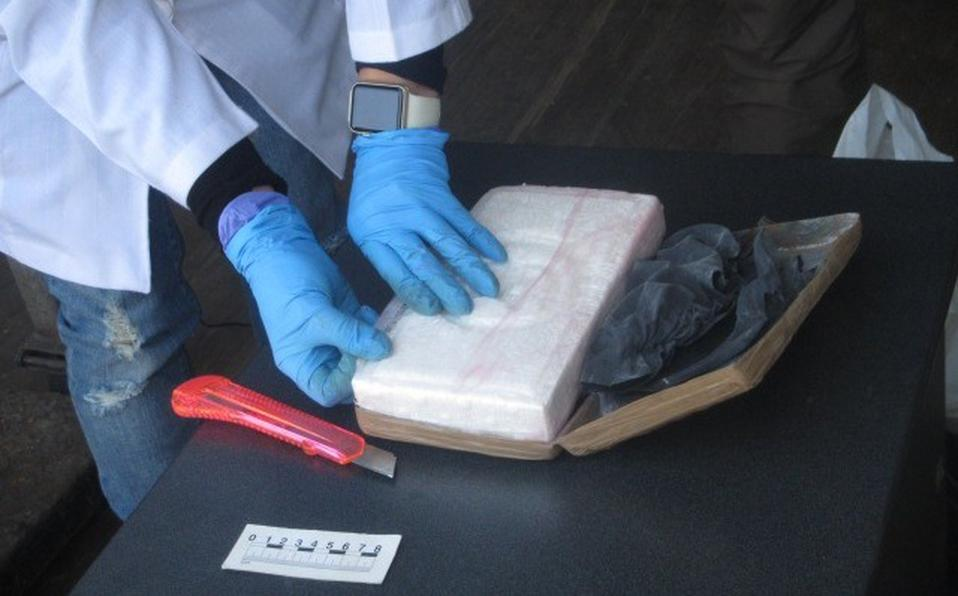 Armed Forces Find Black Suitcase Containing 61 Packages Of Cocaine In Michoacán