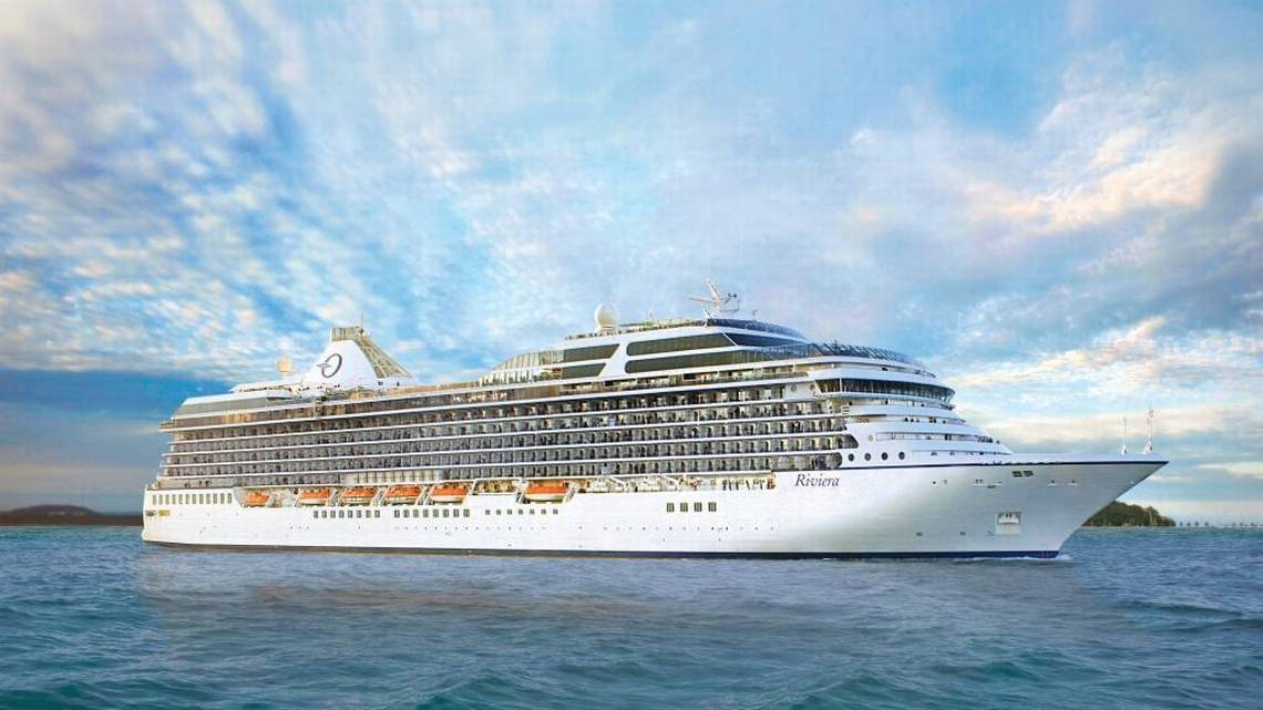 Arrestan Cruise Crew That Brought Cocaine In Their Pants and Sandals