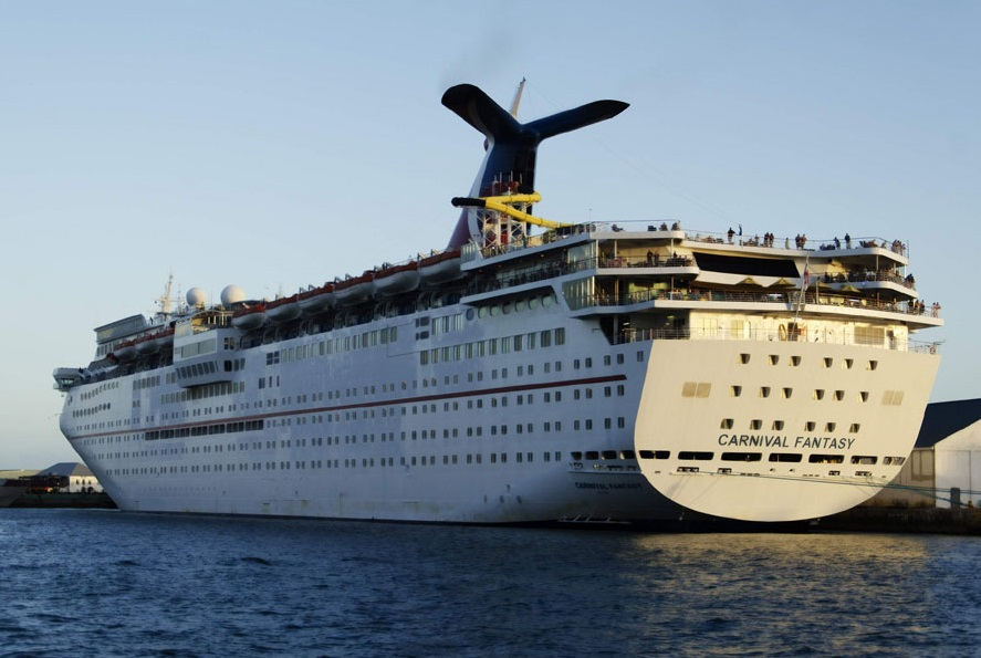 Carnival Fantasy Suffered Propulsion Problem During Western