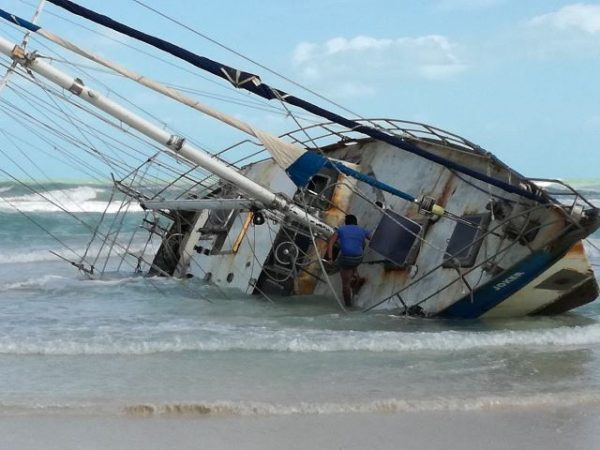 Colombian veteran and adventurer runs aground in El Cuyo