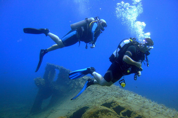 Divers Hear Chilling Sounds Abu Ramad