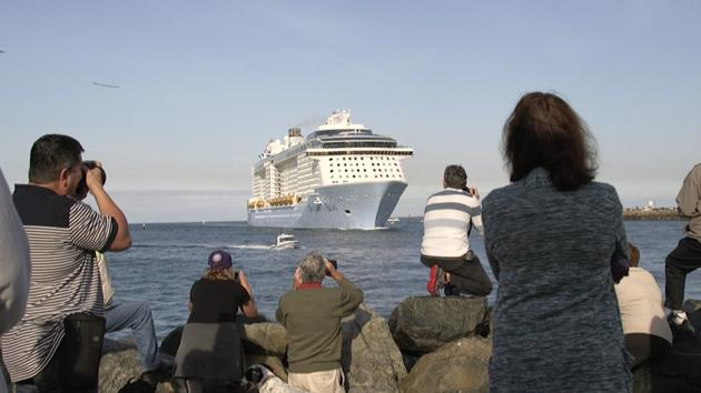Gastro hit Ships Passenagers