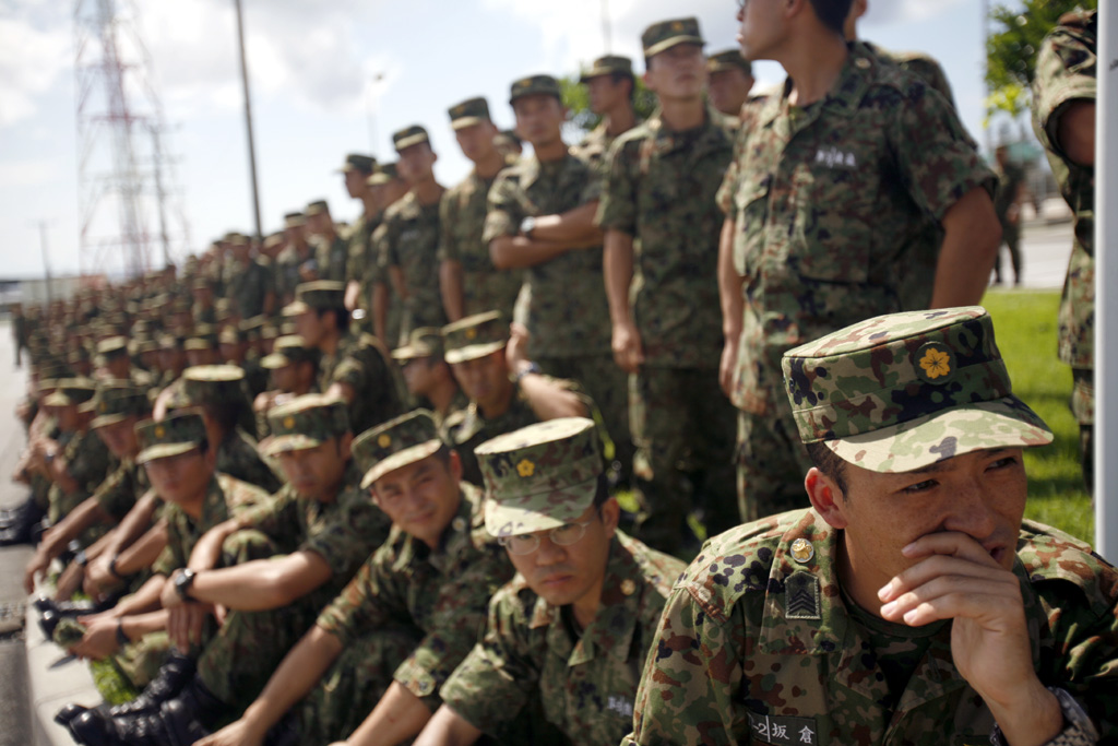 Japanese and American Forces Conduct Military Rescue Exercise