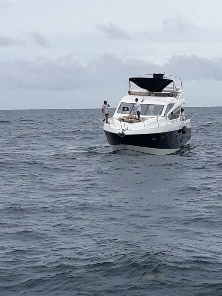 Mexican Secretary Of The Navy Rescues Shipwrecked Yacht From The United States In Quintana Roo