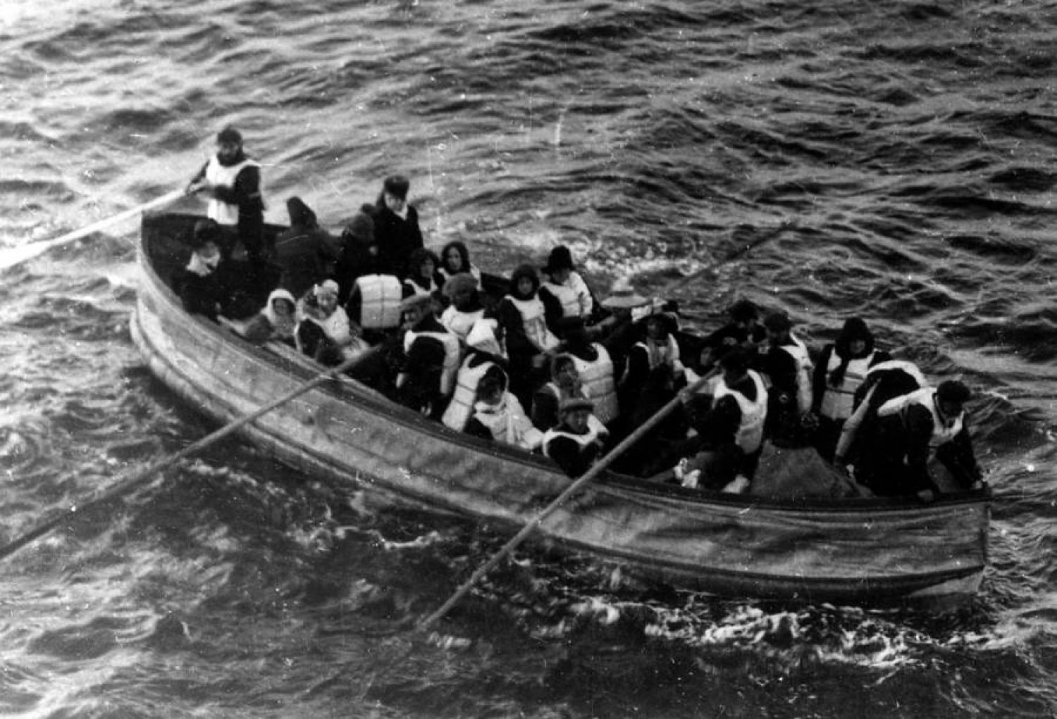 Never Before Seen Eerie Black and White Photos Of The Titanic