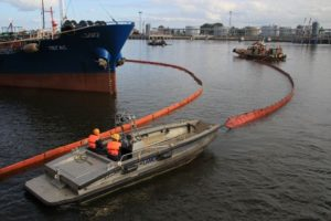 Port of Azov oil leak