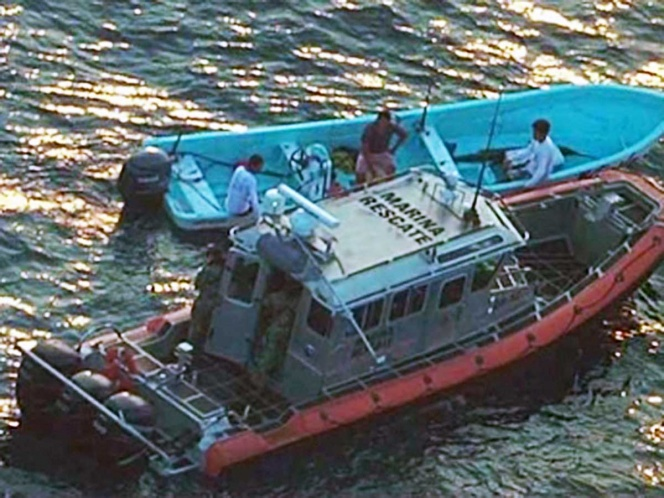Rescue Sailors Wounded Crew Member of Fishing Vessel in Mexico
