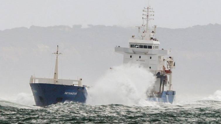 Rescue the crew of the Spanish ship that ran aground in Lisbon on Tuesday