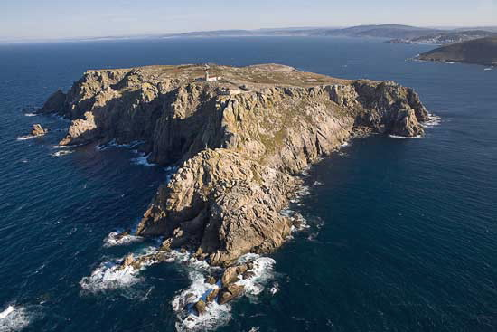 Eight Galician Islands To Dream Of At The End Of Our Confinement