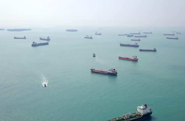 Tankers With 39 Million Barrels of Oil Stuck in Front of the Bosphorus and the Dardanelles