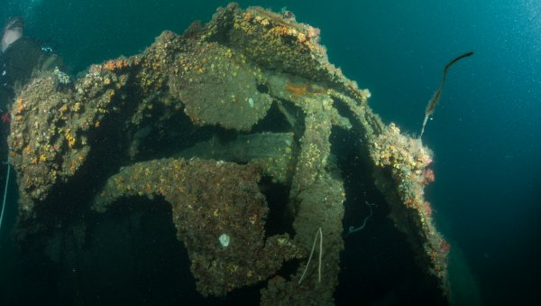The Looting Of Underwater Tombs: The Scrap Yards Of The Sea Chop Ships Sunk In The Pacific War To Sell The Metal To China