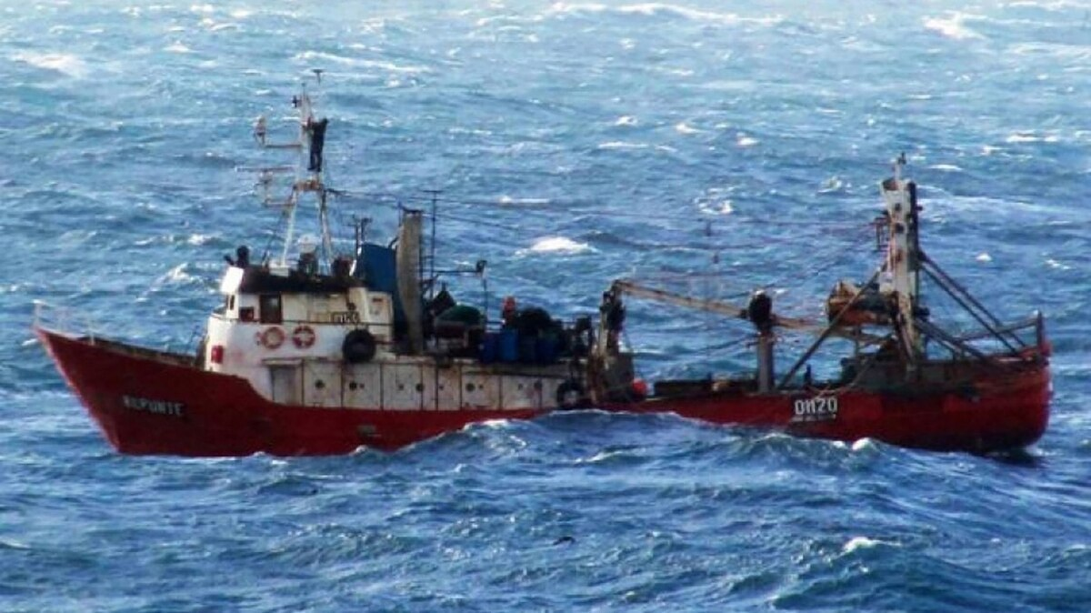 The Sinking Of Fisheries In Argentina: 44 Shipwrecks And 100 Dead In The Last Two Decades