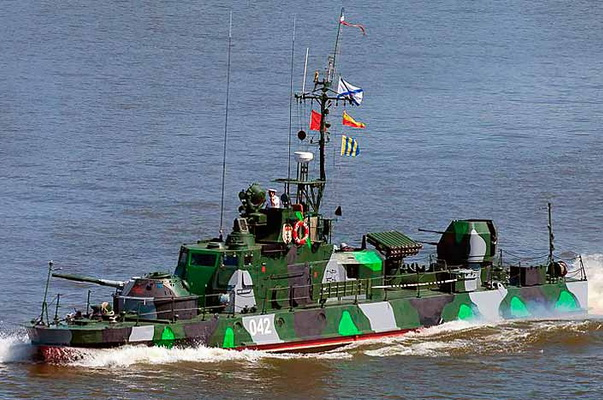Three Artillery Boats of the Caspian Flotilla Strengthened the Protection of the Crimean Bridge