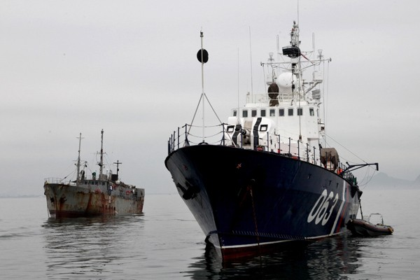 Two Fishermen Detained in the Azov Sea from Ukraine Were Accused of Poaching
