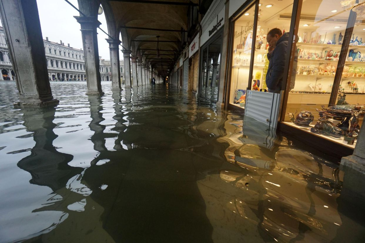 "Venice Italy Endures A Day Of ""Apocalyptic"" Floods, The Worst Since 1966"