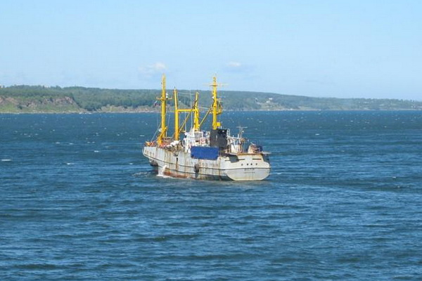 Vostok fishing vessel missing with men on board