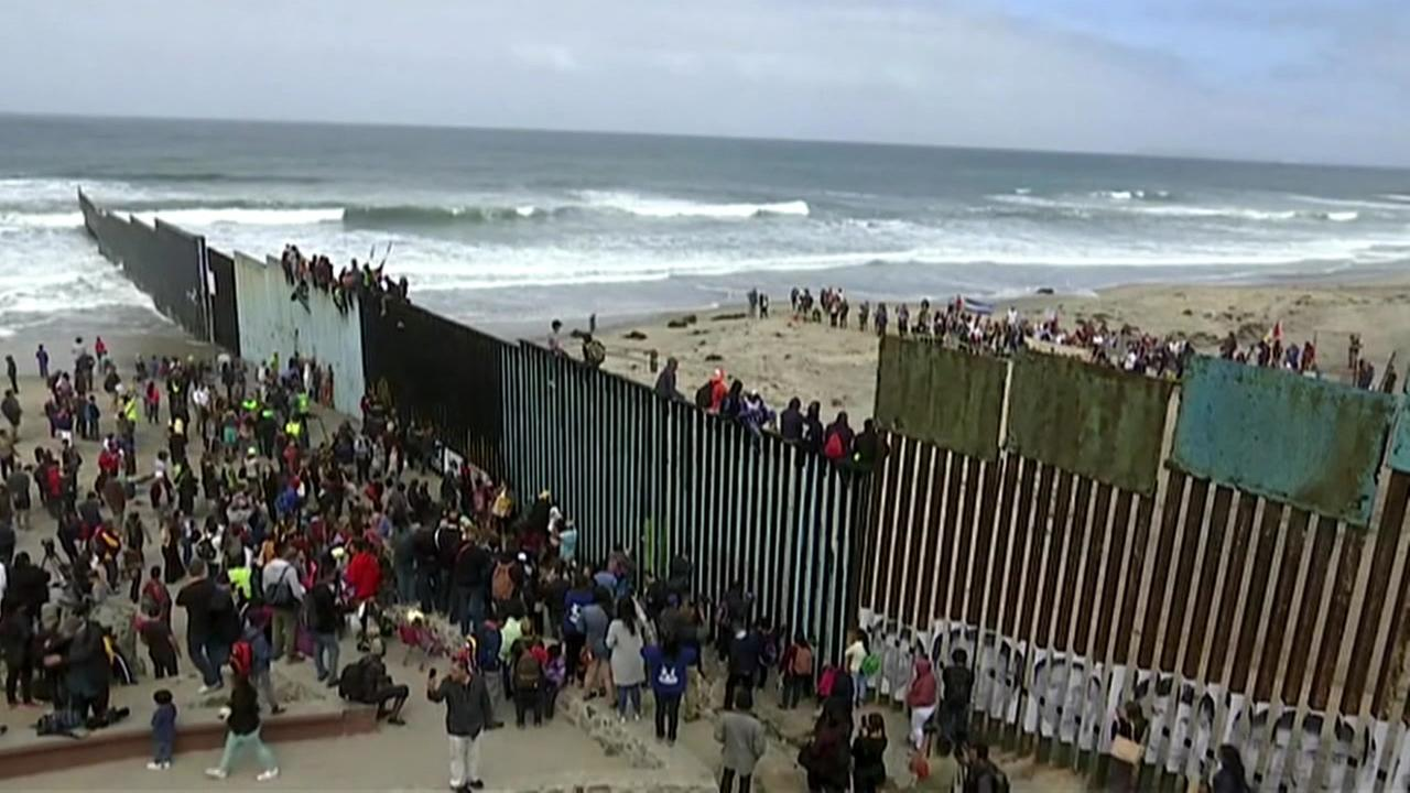 five Central American migrants have tried to enter the American Union by sea