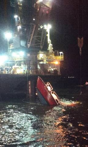 motorboat hit an oil well in Lake Maracaibo