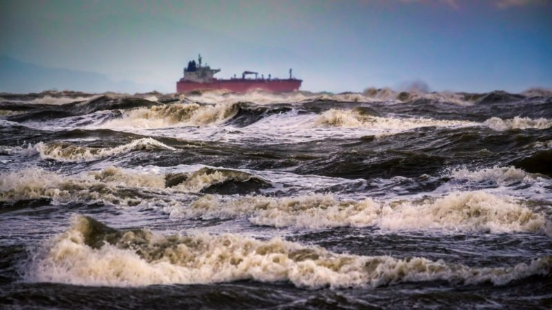 vlcc-tanker-in-stormy-waters